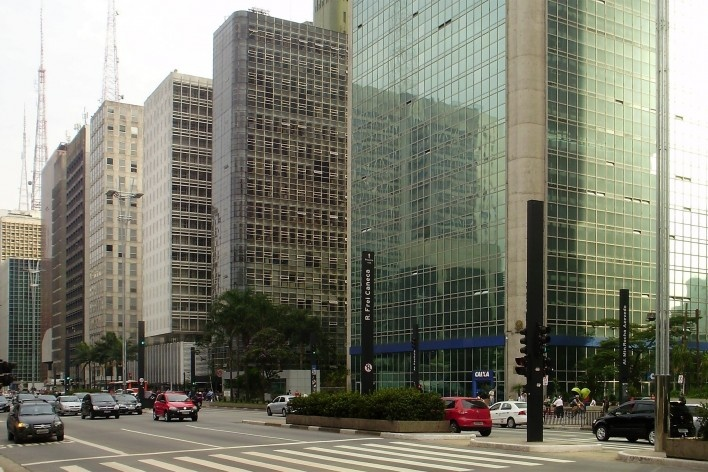 Cetenco Plaza, Avenida Paulista, São Paulo. Arquitetos Rubens Carneiro Vianna e Ricardo Sievers<br />Foto Abilio Guerra
