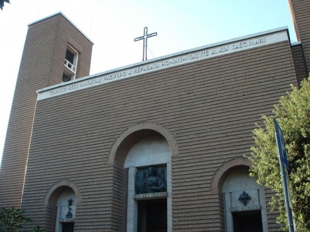 Fachada principal da Igreja Cristo Rei, arquiteto Marcello Piacentini, 1924-34<br />Foto Karina Kodaira