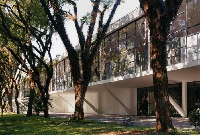 Museu Afro no Parque do Ibirapuera, São Paulo. Arquiteto Oscar Niemeyer e equipe, restauro de Brasil Arquitetura<br />Foto Nelson Kon