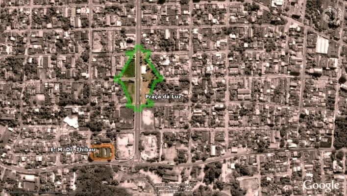 Vista aérea - Praça da Luz e E. M. Dr. Thibau<br />Imagem dos autores do projeto