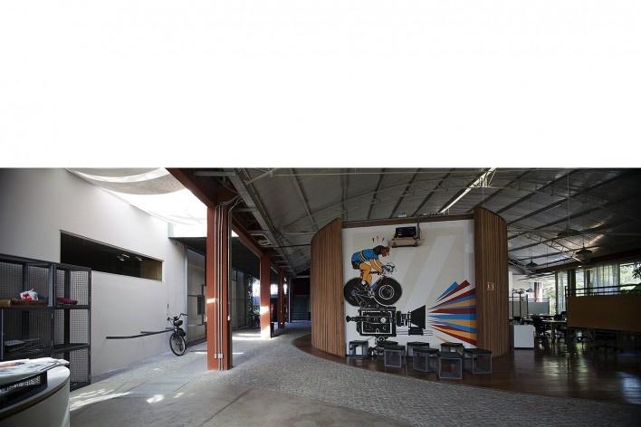 Reforma e ampliação O2 Filmes, São Paulo SP Brasil, 2013. Arquiteta Cristina Xavier<br />Foto Cristiano Mascaro