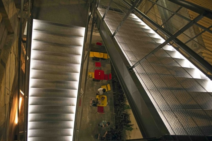 RedBull Station, São Paulo. Escritório Triptyque<br />Foto Pedro Kok