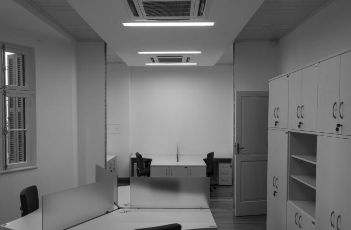 Casa Lutzenberger, sala administrativa. Reforma Kiefer arquitetos