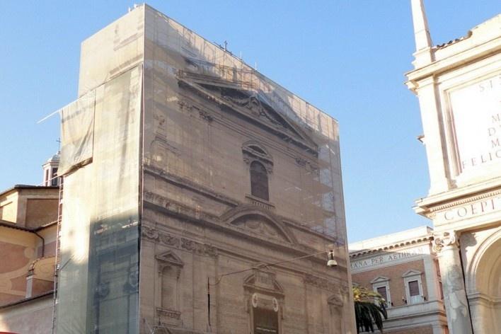 Recuperação da fachada da Igreja de Santa Maria della Vittoria, Centro Histórico de Roma<br />Foto Petterson Dantas