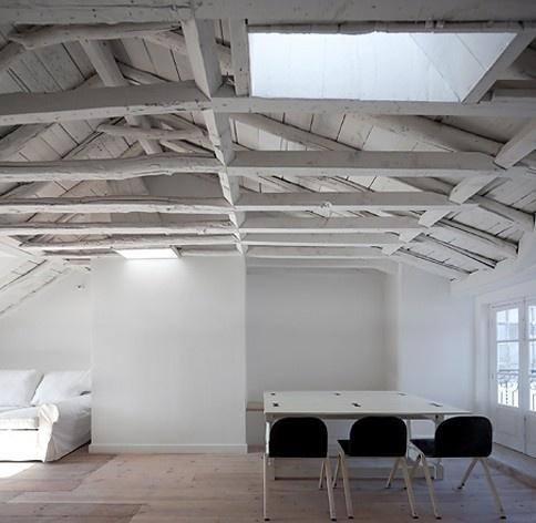 Edifício residencial em Fanqueiros, sala apartamento 5ºB. Arquiteto José Adrião, 2007-2011<br />Foto/photo FG + SG