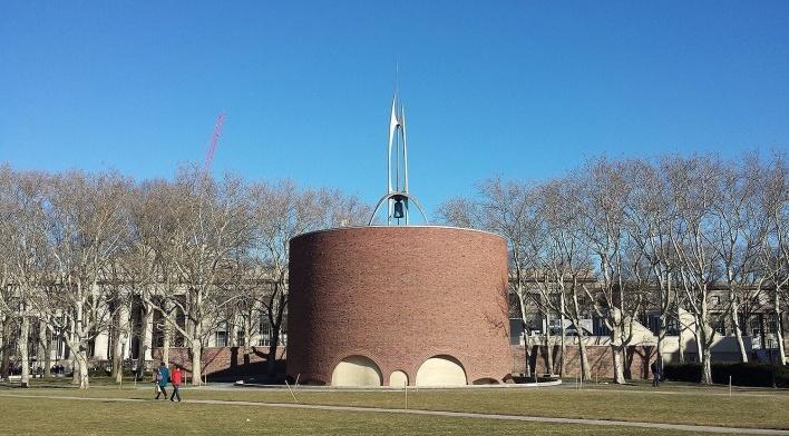 Kresge Chapel, Campus MIT, 1955. Arquiteto Eero Saarinen<br />Foto Klaus Chaves Alberto