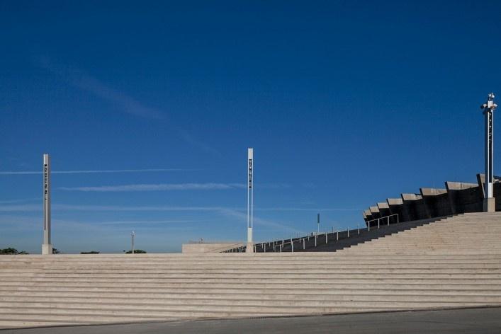 Escadaria esplanada (acesso sul)<br />Foto Leonardo Finotti