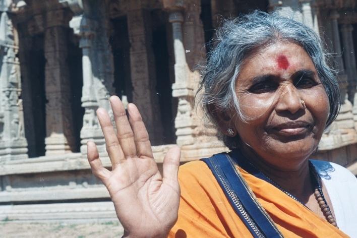 Namaste, Hempi, Índia<br />Foto Fabricio Fernandes