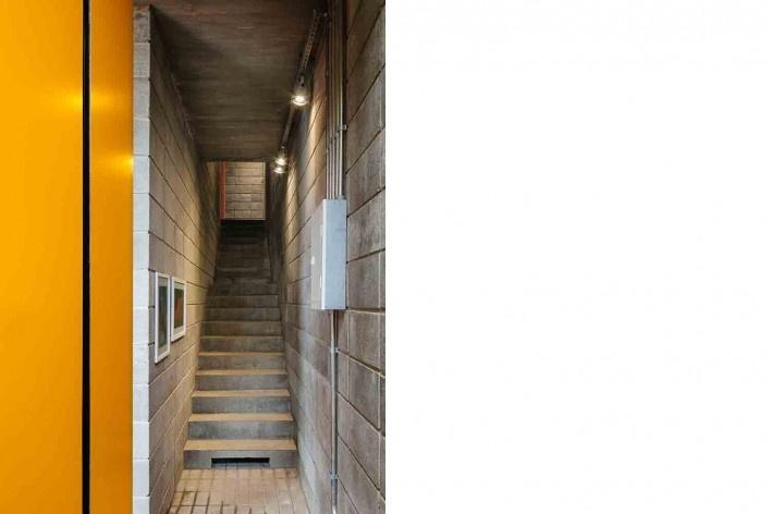 Casa-ateliê da Vila Charlote, acesso a residência, Presidente Prudente SP, arquiteta Cristiana Pasquini<br />Foto Pedro Kok