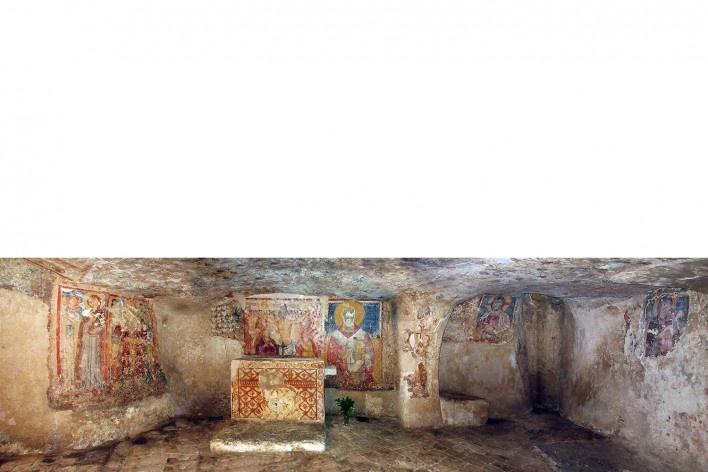 Cripta del Crucefisso, panorâmica interna, Puglia, Itália, séculos 12-13<br />Foto Victor Hugo Mori