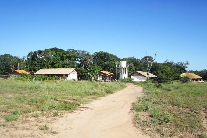 Centro Experimental Floresta Ativa - CEFA, vista do conjunto, RESEX Tapajó-Arapiuns PA. Arquiteta Cristina Xavier<br />Foto divulgação
