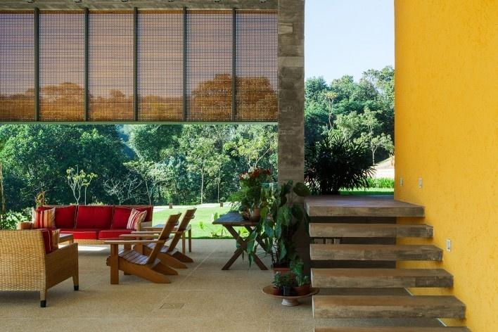 Residência LG, Bragança Paulista SP Brasil, 2014. Arquitetos Henrique Reinach e Maurício Mendonça (autores)/ Reinach Mendonça Arquitetos Associados<br />Foto/ photo Nelson Kon