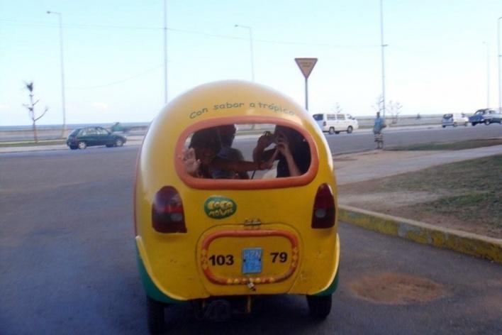 Passeio de automóvel pelo Malecón, Havana Cuba  <br />Foto Michel Gorski e Valdir Zwetsch