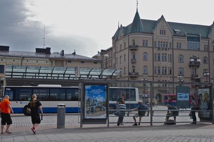 Aspecto de pontilhão ferroviário sobre o rio Tammerkoski no entorno do centro urbano<br />Foto Fabio Lima