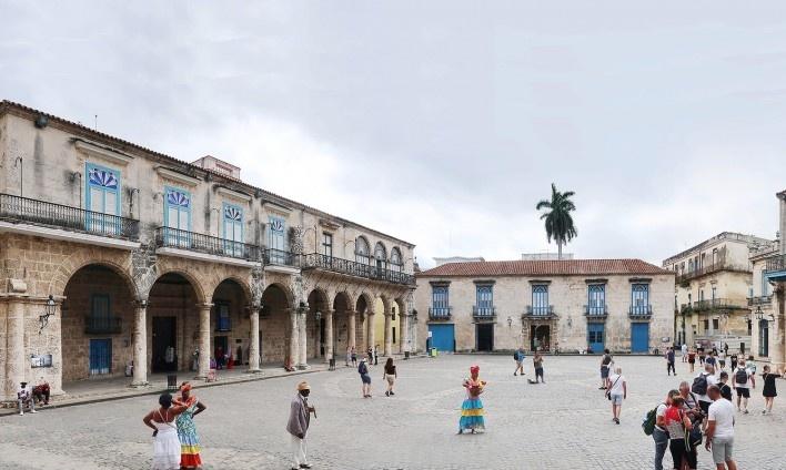 Plaza de la Catedral de San Cristóbal, Habana Vieja, Cuba<br />Foto Victor Hugo Mori