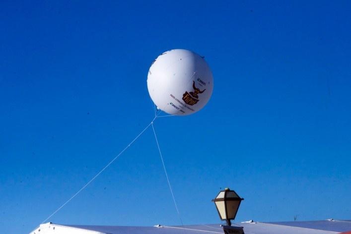 Balão publicitário da 6a Festa Literária de Pirenópolis<br />Foto Fabio Lima