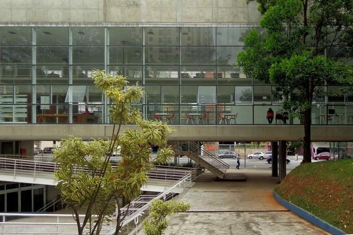Terminal Digital do Ensino, São Caetano do Sul, 2008. Arquiteto José Augusto Aly