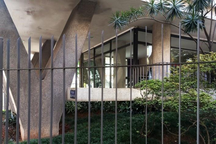 Edifício Ouro Preto, Avenida Angélica 2404, São Paulo SP. Arquiteto Majer Botkowski, 1959<br />Foto Abilio Guerra
