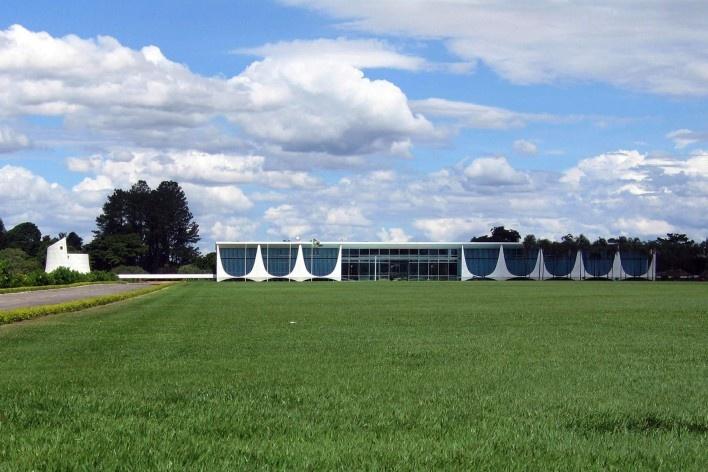 Palácio da Alvorada, Brasília DF. Arquiteto Oscar Niemeyer, 1957<br />Foto Victor Hugo Mori
