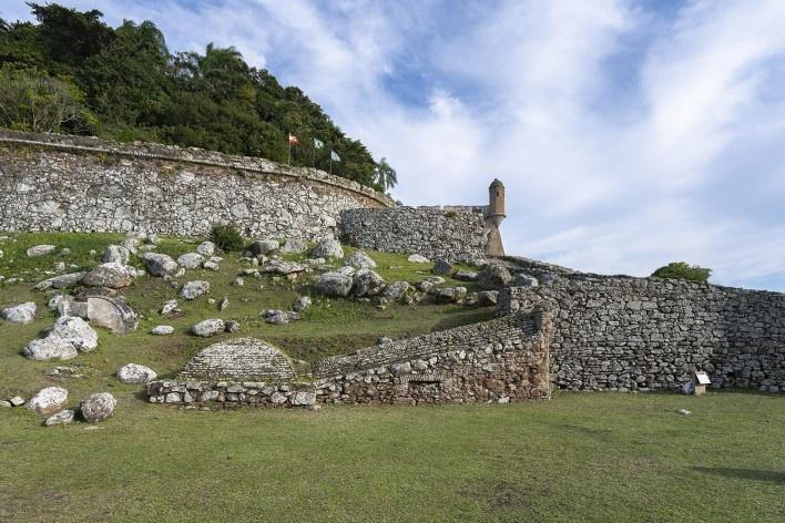 Fortaleza de Santo Antônio, Ilha de Ratón Grande, Florianópolis<br />Foto Ronaldo Azambuja