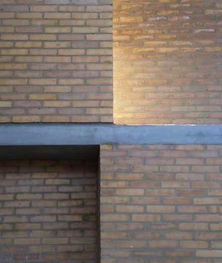 Cootrapar – cooperativa de trabajadores de aceros del paraguay. Detalle muro Z entrada de luz y viento. Arq. Luis Alberto Elgue y Arq. Cynthia Solis Patri. Villa Hayes, Paraguay. 2007 – 2008.