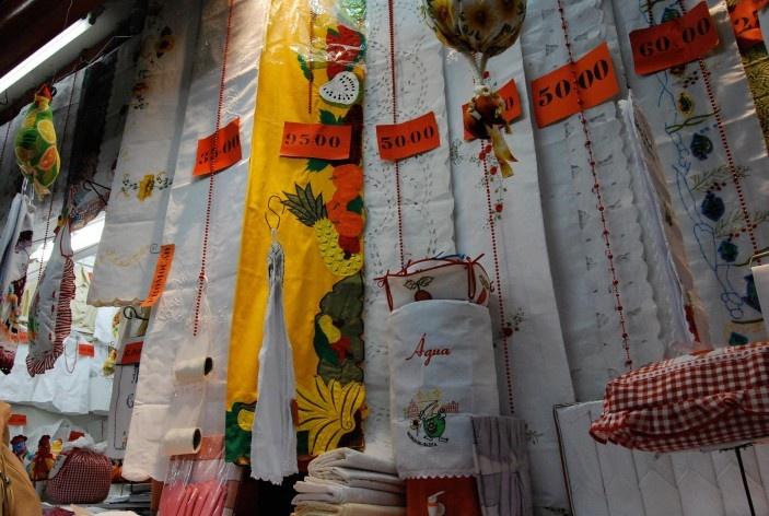 Centro Histórico de Salvador, cidade baixa, interior de loja no Mercado Modelo<br />foto Fabio Jose Martins de Lima