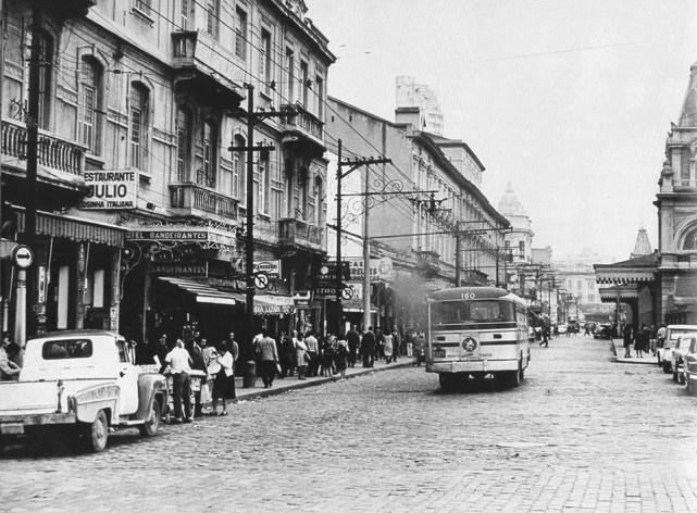Estação da Luz, rua Mauá, anos 1960<br />Foto divulgação