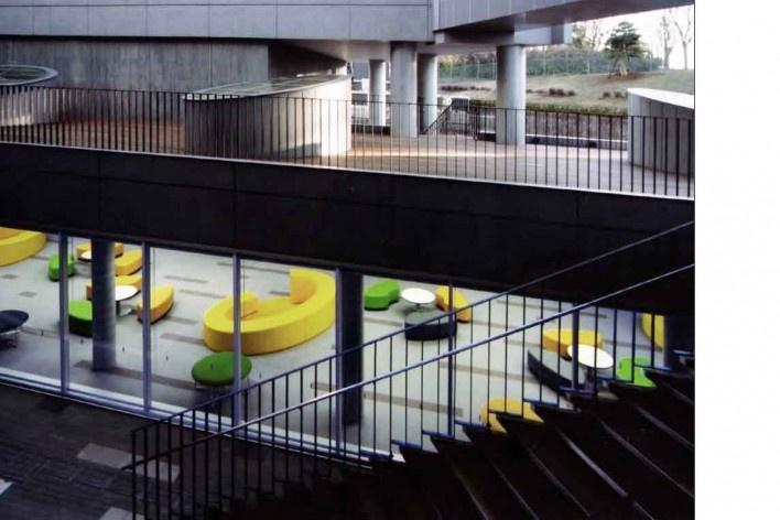 Escola de Administração, vista parcial, Josai International University,  Saitama-ken, Japão, 2003-2006, Studio Sumo<br />Imagem divulgação
