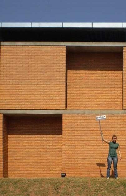Cootrapar – cooperativa de trabajadores de aceros del paraguay. Detalle modulo Z. Arq. Luis Alberto Elgue y Arq. Cynthia Solis Patri. Villa Hayes, Paraguay. 2007 – 2008.