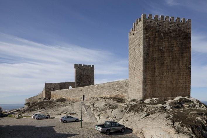 03. Castelo de Linhares da Beira<br />Foto Eduardo Costa  [Arquivo Portugal: 2011-2012]