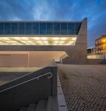 Museu Nacional dos Coches, relação do anexo com o entorno, Lisboa. Arquiteto Paulo Mendes da Rocha, MMBB arquitetos e Bak Gordon arquitetos<br />Foto Fernando Guerra  [FG+SG Architectural Photography]