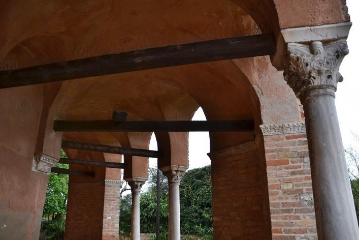 Estruturas nos pórticos da parte externa<br />Foto/photo Fabio Lima