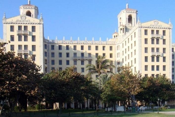 Hotel, Havana, Cuba<br />Foto Michel Gorski e Valdir Zwetsch