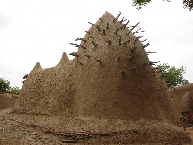 Mesquita da village de Sekoró<br />Foto Renato Barbieri