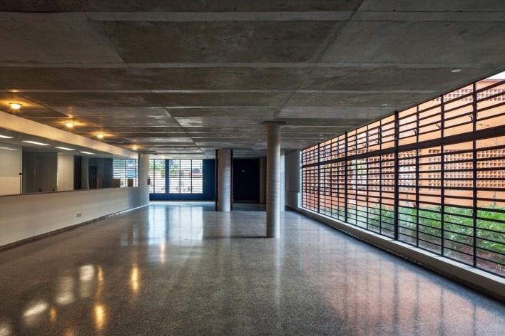 Conjunto Habitacional do Jardim Edite, MMBB & H+F<br />Foto Nelson Kon