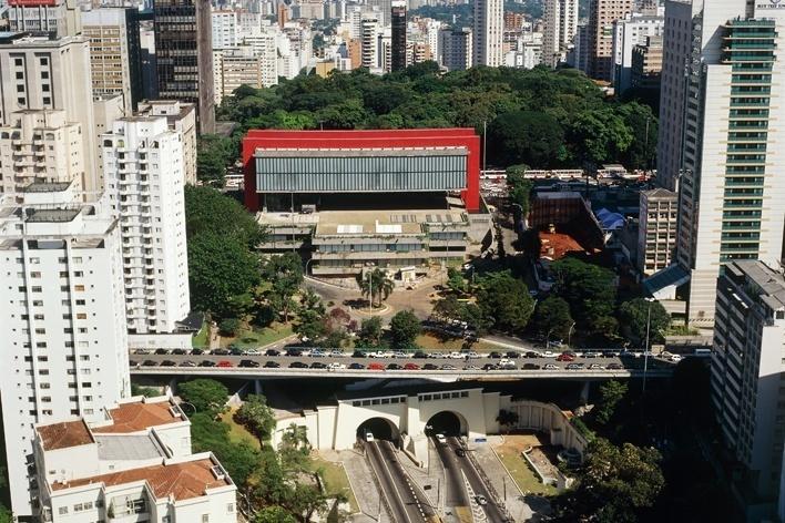 Museu de Arte Moderna de São Paulo – MASP. Arquiteta Lina Bo Bardi<br />Foto Nelson Kon