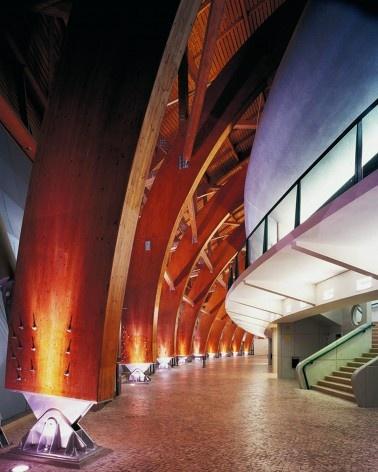 Pavilhão Atlântico, Lisboa, deambulatório. Arquiteto Regino Cruz + SOM<br />Foto Rui Morais de Sousa