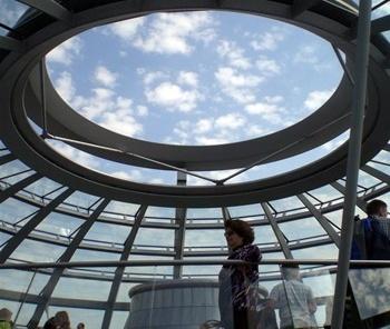 Haifa Sabbag no Reichstag, Berlim