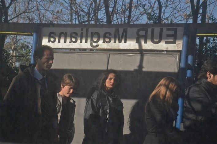 Contaminações, reflexos em painel na Estação EUR Magliana do Metropolitano de Roma<br />Foto Fabio José Martins de Lima