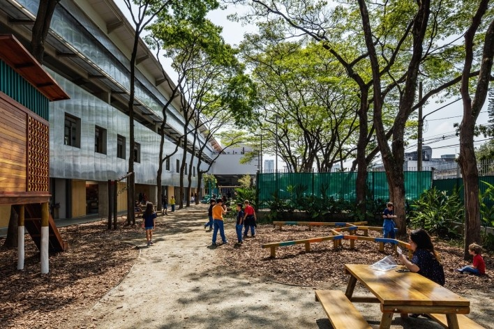 Beacon School's new headquarters, São Paulo SP Brasil, 2016. Architects Vinicius Andrade, Marcelo Morettin, Marcelo Maia Rosa and Renata Andrulis / Guido Otero and Ricardo Gusmão (authors) / Andrade Morettin Arquitetos / Gusmão Otero Arquitetos Associados<br />Foto / photo Nelson Kon