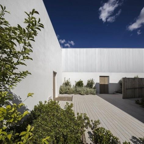 Caledonian Somosaguas, Madri Espanha, 2017. Arquiteto Marcio Kogan/ StudioMK27<br />Foto Fernando Guerra