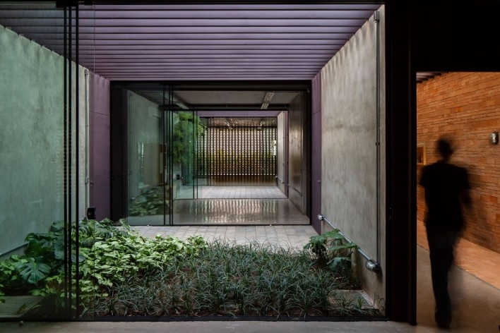 Estúdio no Jardim Paulista, Presidente Prudente SP, 2017-2018. Arquiteta Cristiana Pasquini (autora) / grupoDEArquitetura<br />Foto Pedro Kok