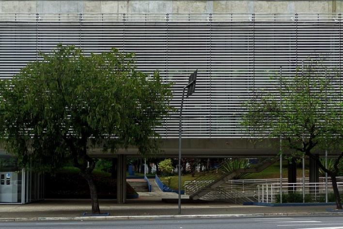 Terminal Digital do Ensino, São Caetano do Sul, 2008. Arquiteto José Augusto Aly<br />Foto Mauro Calliari