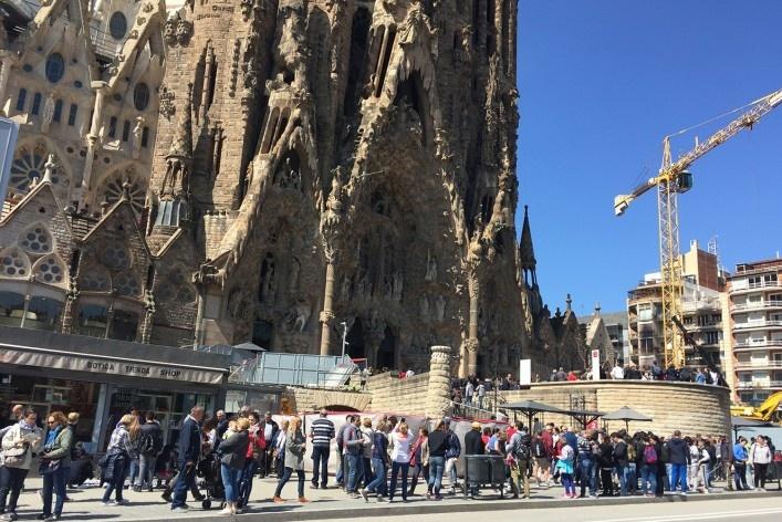 Turistas na fachada do Nascimento, 2017<br />Foto Celma Chaves