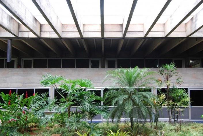 Escola Superior de Administração Fazendária – ESAF, praças internas setor educacional, Brasília DF<br />Foto Daniel Corsi