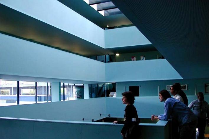 Centro de Ensino Profissional de Marcelin, Morges, Suíça. Geninasca & Delafortrie 1995-2003<br />Foto Butikofer & de Oliveira Arquitetos