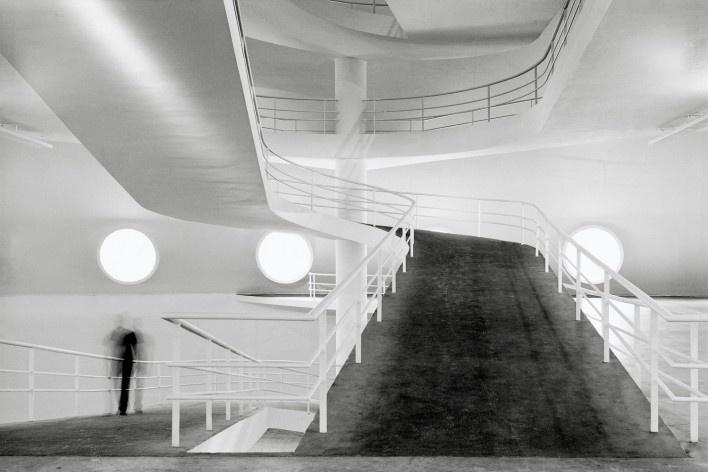 Oca no Parque do Ibirapuera, São Paulo. Arquiteto Oscar Niemeyer e equipe, restauro de Paulo Mendes da Rocha<br />Foto Nelson Kon