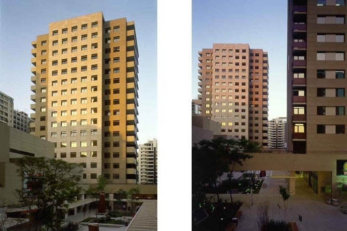 3 vistas do conjunto de edifícios sobre praça de acesso livre<br />Foto Nelson Kon