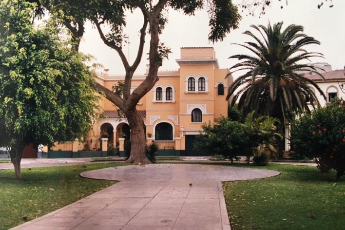Casarão amarelo, Pousada del Parque, Parque Hernán Valarde, Lima Peru; à direita, o Casarão Branco<br />Foto Lincoln Paiva