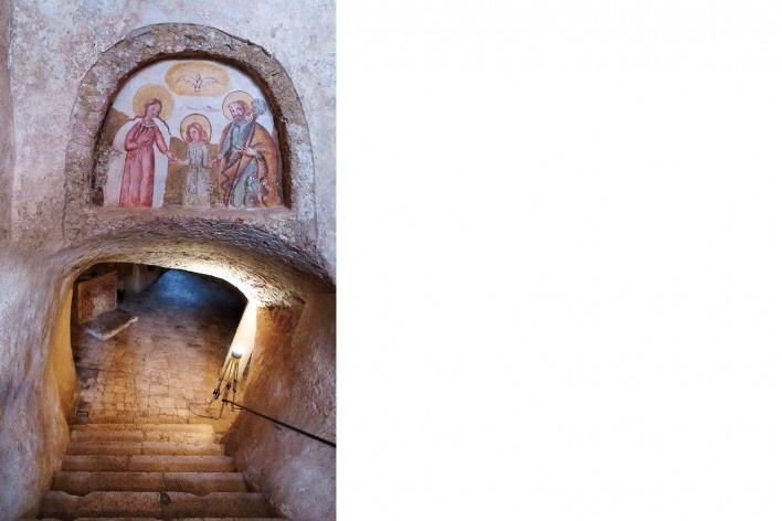 Cripta del Crucefisso, novo acesso, século 16<br />Foto Victor Hugo Mori